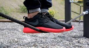 Nike black Roshe gives you a feel of confidence Nike