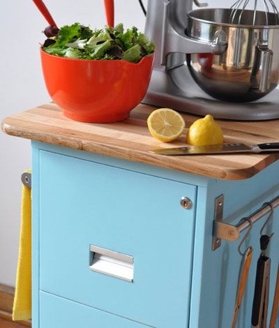 Make a Rolling Kitchen Cart From an Old Filing Cabinet | Jardins