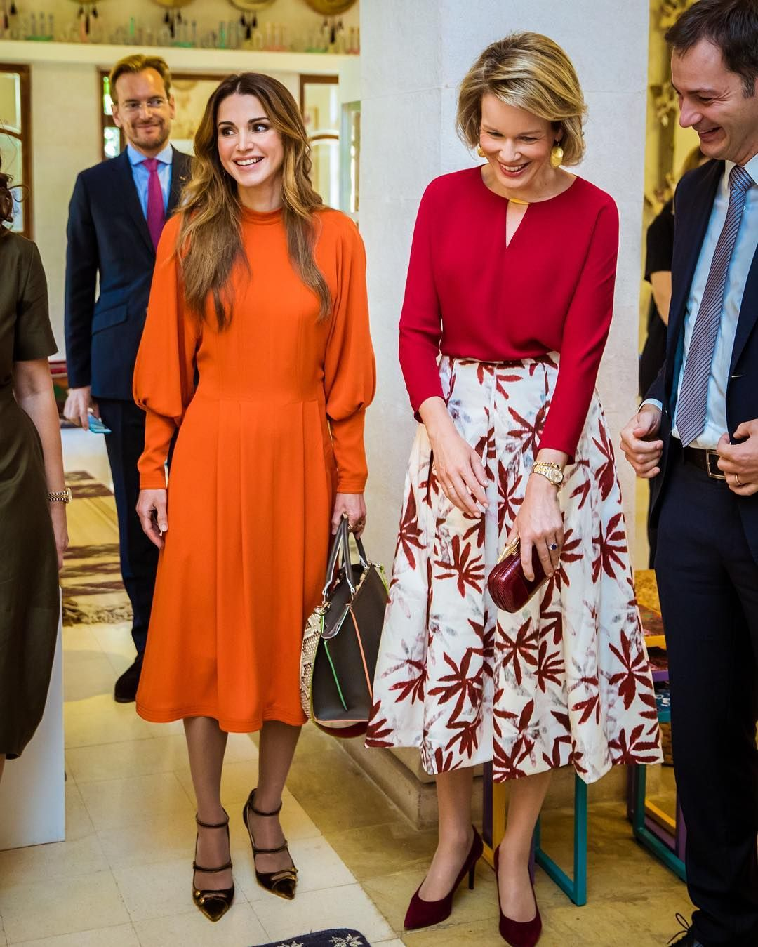 Queen Rania And Queen Mathilde Queen Rania Royal Fashion Queen Dress