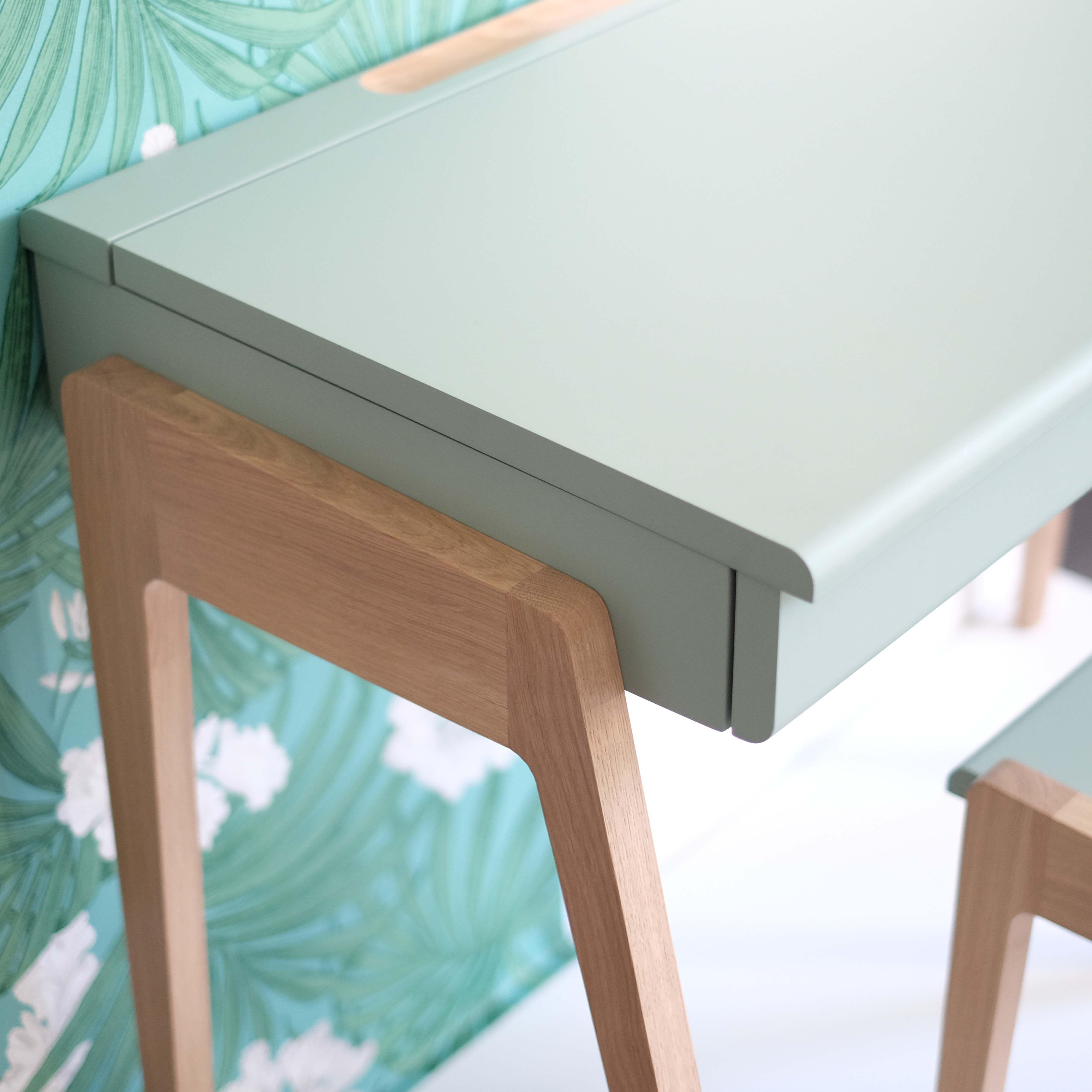bureau enfants-ados en bois, chêne coloris vert céladon, d