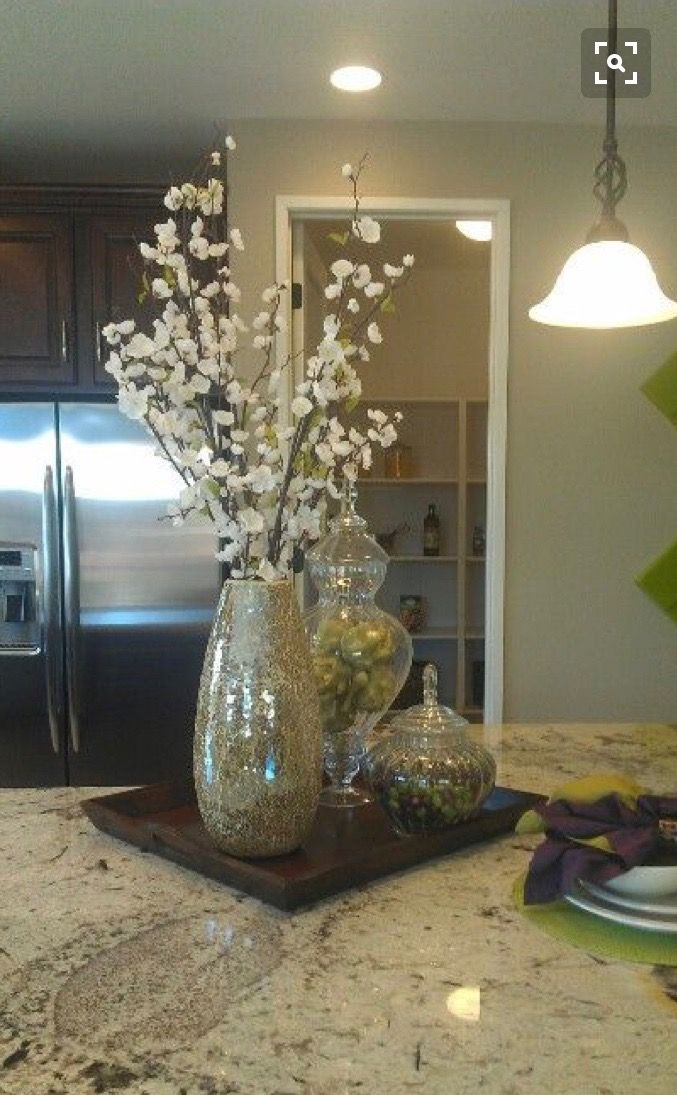 Pretty For The Kitchen Table In Spring Summer Dining Room Table Decor Dining Room Table Centerpieces Dining Room Centerpiece