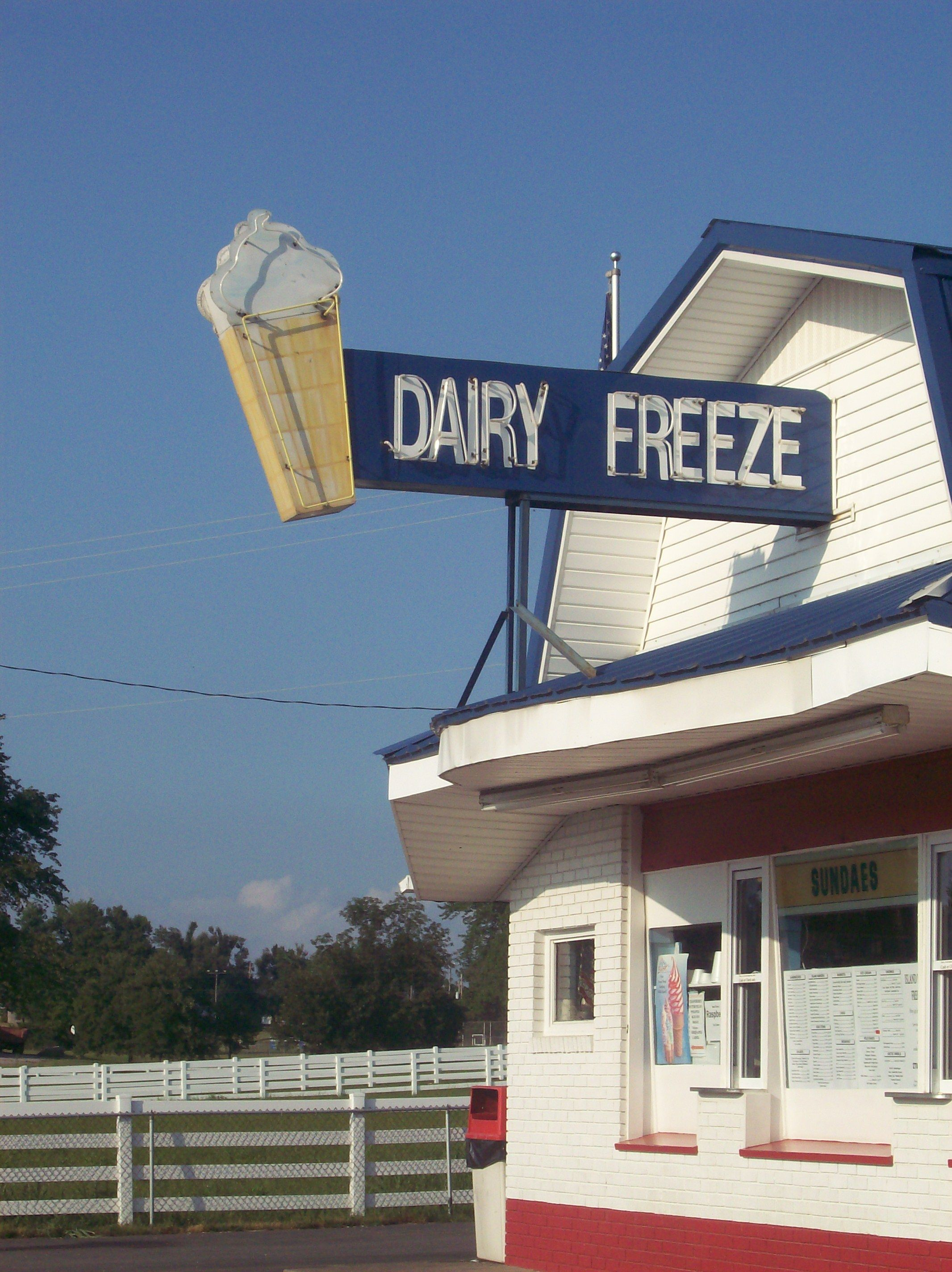 Childhood Memories Dairy Freeze Island Ky Home Of The Island Burger Aka The Best Thing Ever Favorite Places Dairy Freeze My Old Kentucky Home
