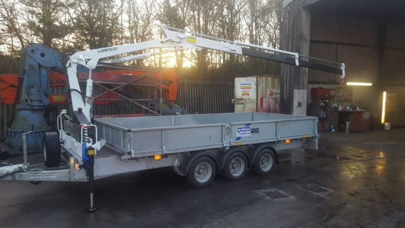 New ifor williams trailer fitted with 2 3 t m crane hiab for Rv workshop