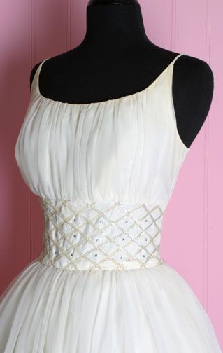 I love this dress! Go to the site, it\'s so pretty! 1950\'s White Tea ...
