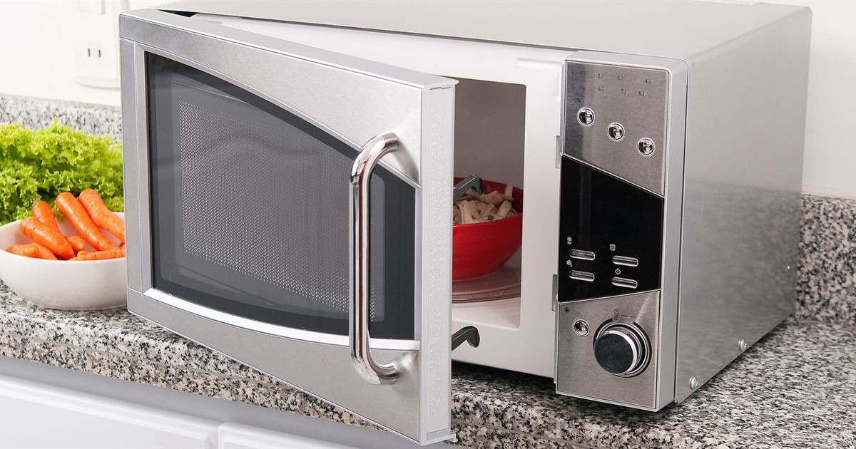 5 foods you should never reheat microwave microwave