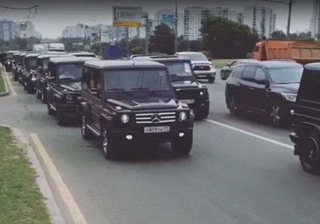 Russian spies banished to Siberia after riding in G-Wagons and showing their faces during graduation (Photos)
