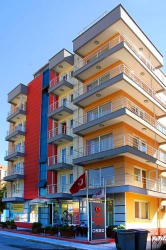 Çanakkale Kampüs Pansiyon Çanakkale Featuring free WiFi throughout the property, Canakkale Kampus Pension is located in Canakkale, 500 metres from Mart Stadium. Guests can enjoy the on-site restaurant.  There is a 24-hour front desk at the property.  The homestay also offers car hire.