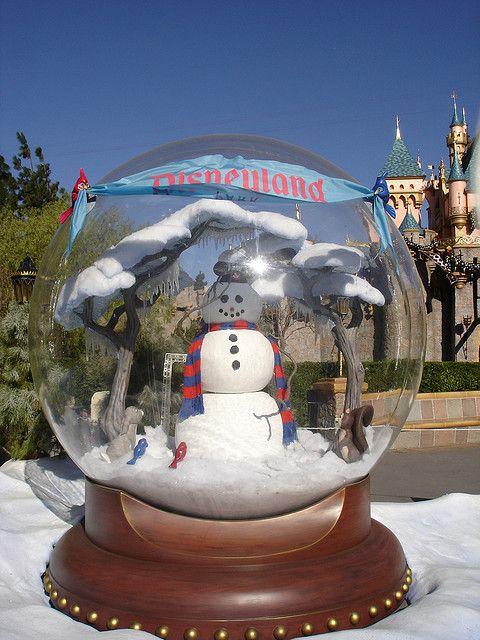 Disneyland Giant Snow Globe Snow Globes Snow Globe