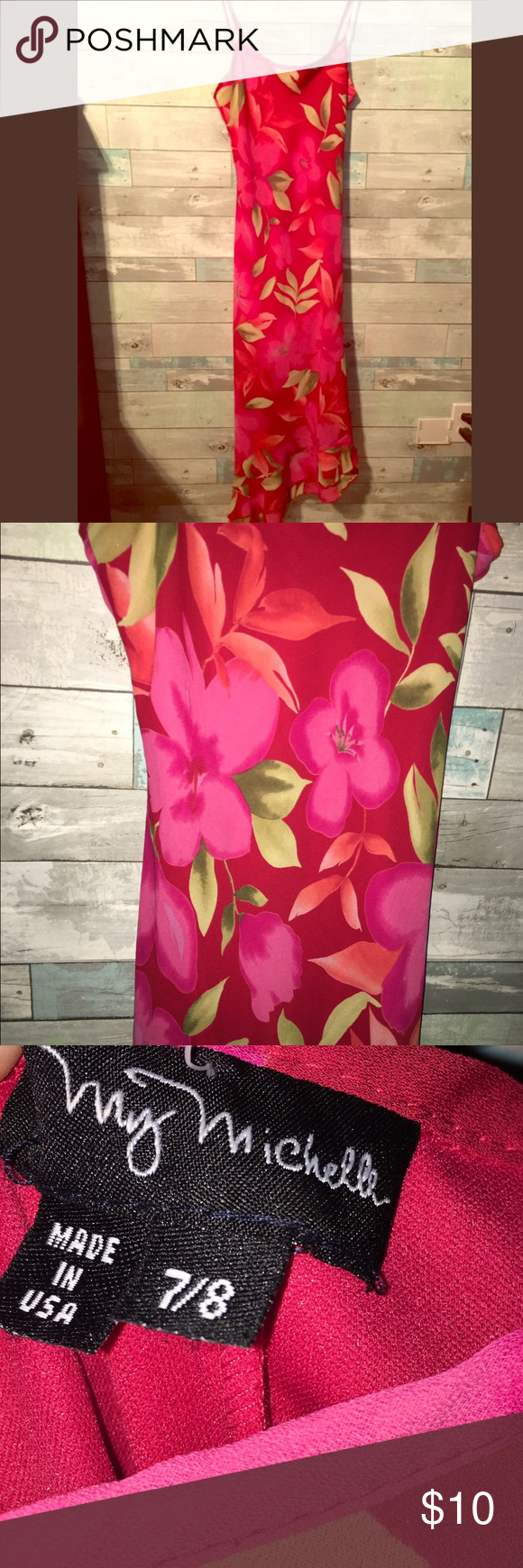 Floral Dress✨ Super cute tropical floral dress great for dinner or a date night needs to go! ‼️ My Michelle Dresses