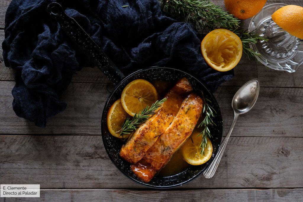 Salmón Glaseado Con Naranja Y Romero Receta De Pescado Agridulce Recetas Salmón Glaseado Pescado Al Horno Recetas Para Cocinar