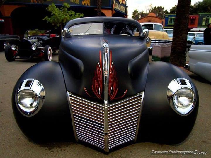 <3 1939 Mercury with 1940 headlights