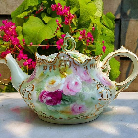 Beautiful France Limoges teapot