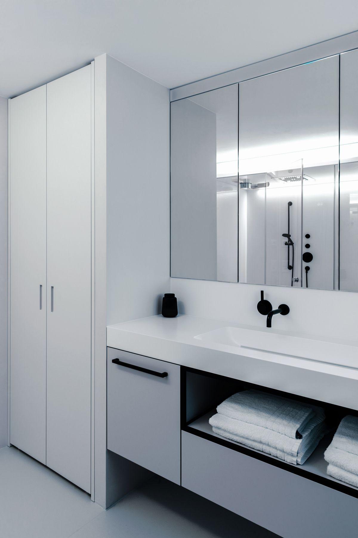 Bathroom Badezimmer Lighting Tiles Kerlite Dornbracht Armaturen Sink Lavabo Corian Talsee Schreiner Laufen Lavabo Dampfdusche Swiss Architecture