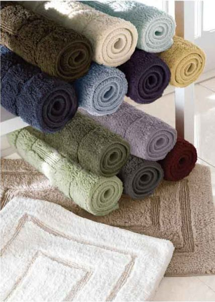 Bring A Traditional Look To The Bath With Our Kassa Design Bath Rugs Crafted With 100 Egyptian Cotton Each Rug Is Durable And Luxury Bath Rugs Bath Rug Rugs