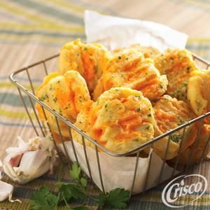 Garlic Cheese Fans from Crisco®