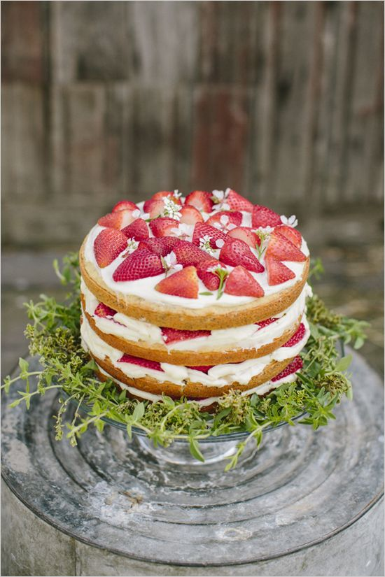 Pretty Pastel Farm Wedding Inspiration Strawberry Wedding Cakes Wedding Strawberries Wedding Cake Rustic