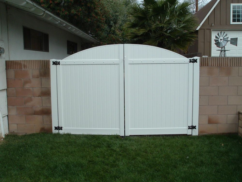 Vinyl Craft White Solid Privacy Double Gate Vinyl Gates