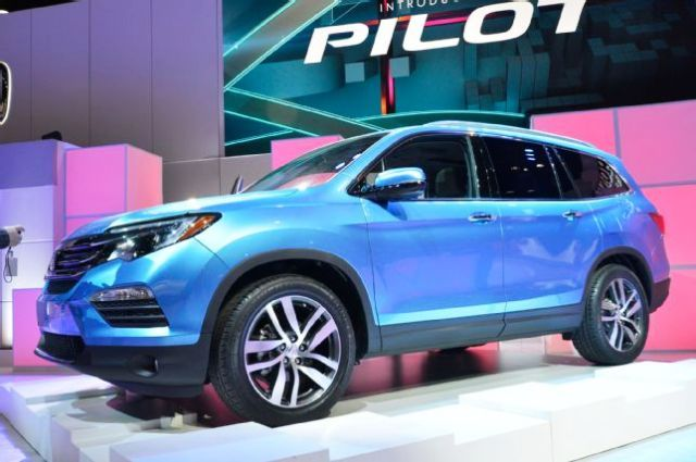 best crossover suv with third row seating 2016 honda pilot cars suv lovers pinterest. Black Bedroom Furniture Sets. Home Design Ideas