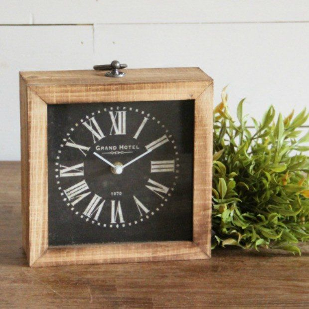 Wood And Metal Decorative Table Clock