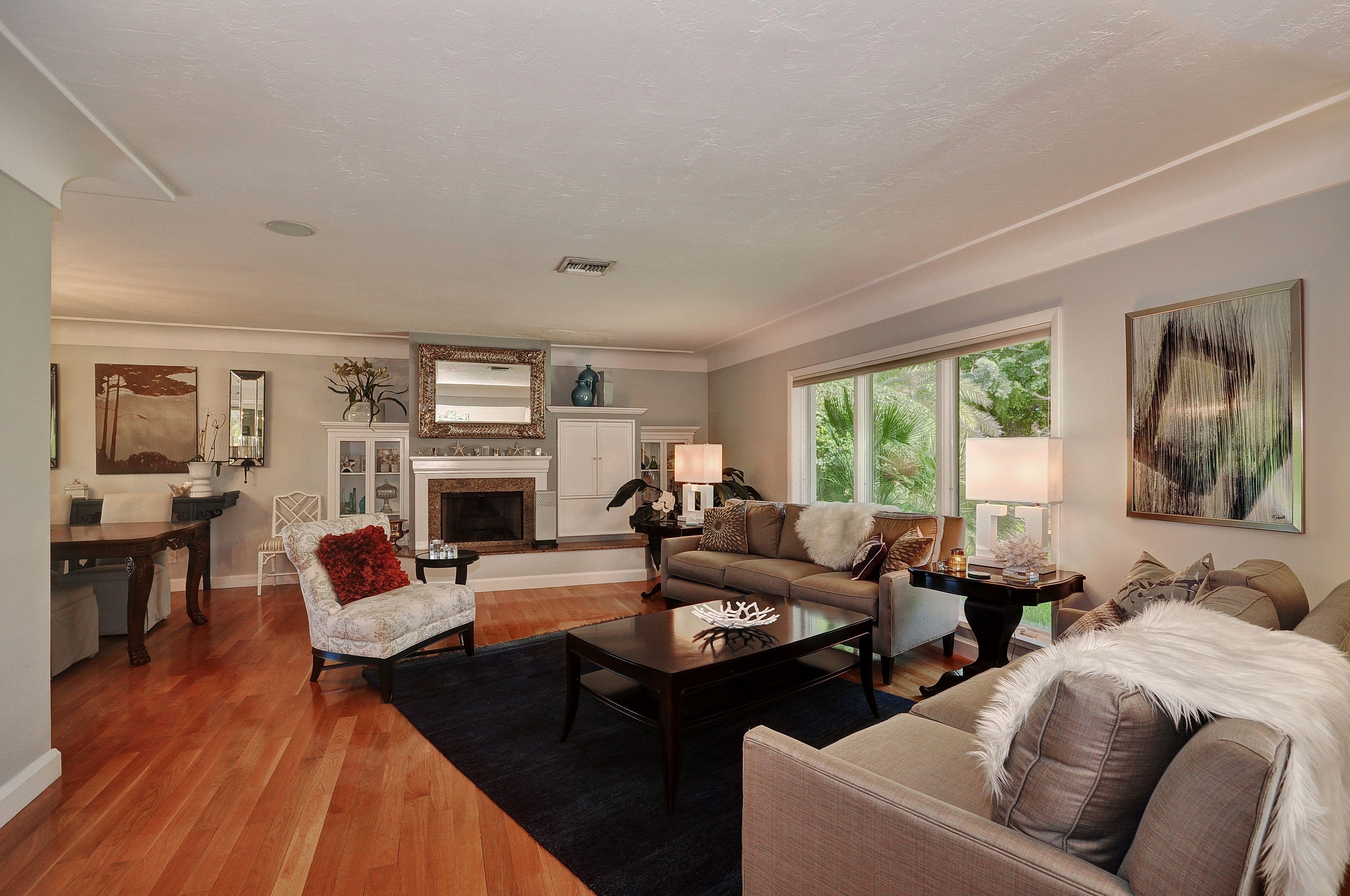 Living Room Of 2400 Ne 22 Ave Fort Lauderdale Fl Home Home Decor Room