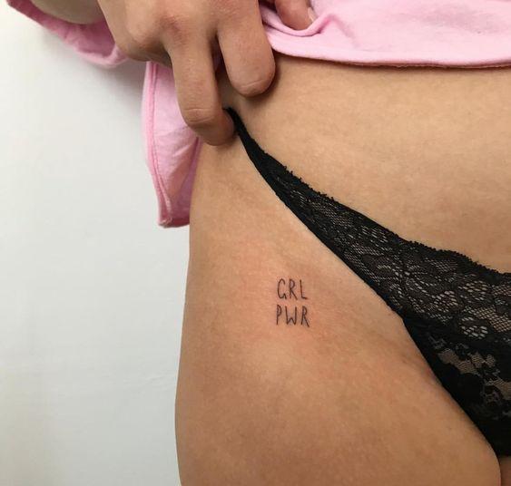 Photo of 91 kleine, aussagekräftige Tätowierungen für Frauen für permanente und tempo…