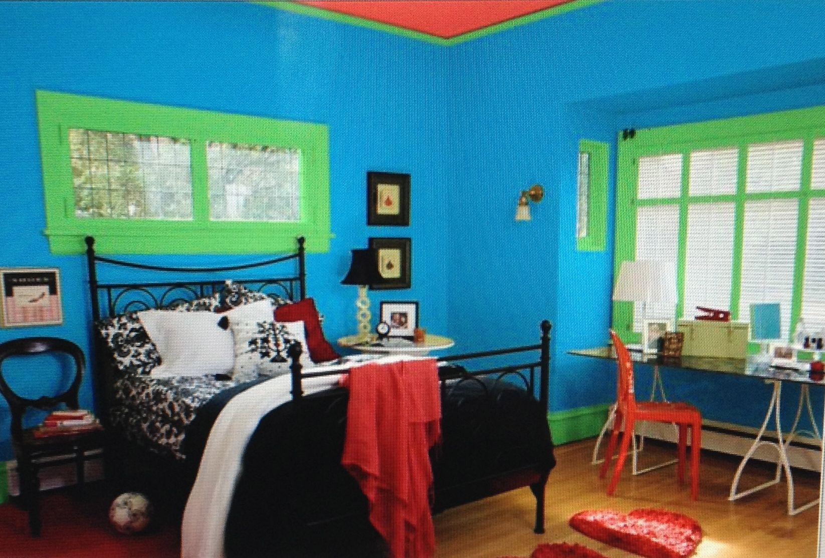 The Color Scheme Of This Double Complementary Bedroom Is Blue Green Orange And Red The Main Hue Is Blue Small Bedroom Colours Bedroom Colors Fancy Bedroom