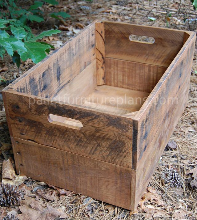 Diy pallet storage box make a few small ones to stack in for Small wine crates