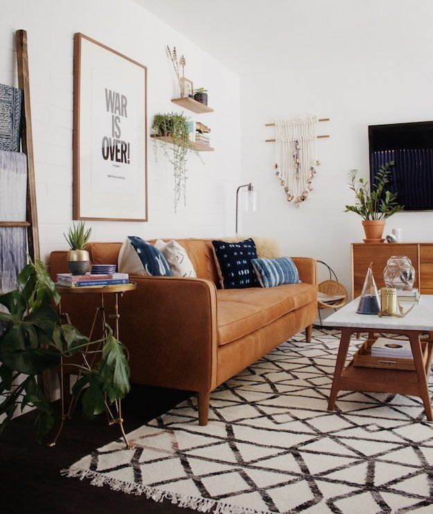Boho Chic Chic Ways To Style A Brown Sofa In Your Living Room Living Room Makeover Room Makeover Room Inspiration