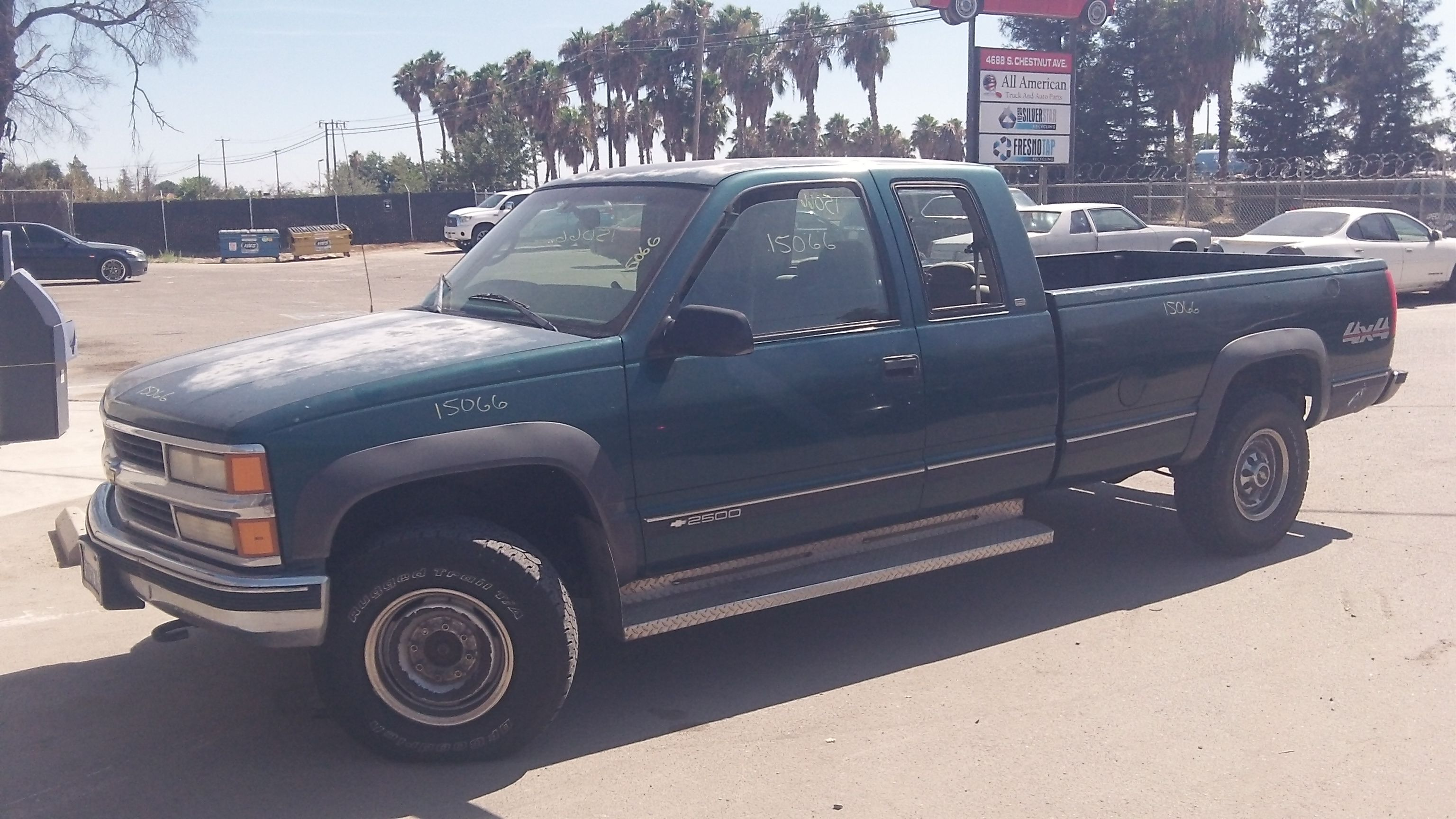 1998 Chevy C/K 2500 Extended Cab 8ftBed 4WD 7.4L with