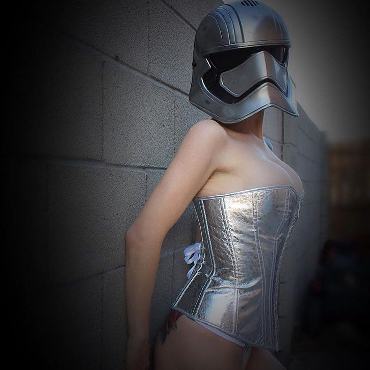 @maygunkaiser getting her Phasma on by: @force_girls