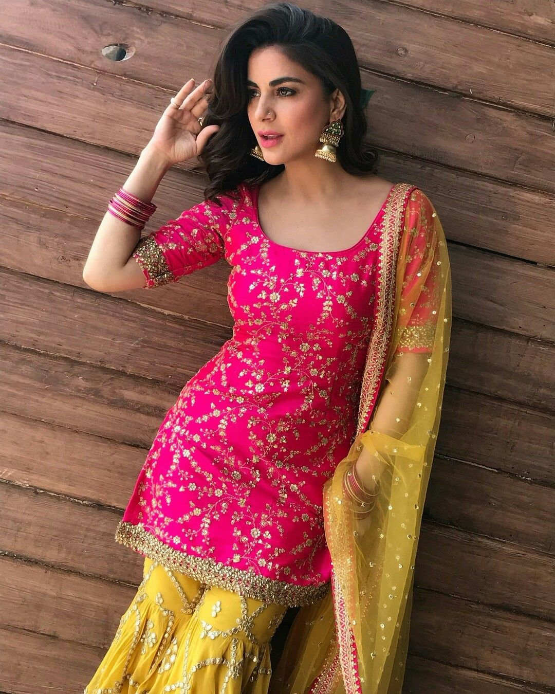 338b17cdf0 Beautiful Suit, Indian Tv Actress, Red Bikini, Fashion Design Sketches,  Punjabi Suits