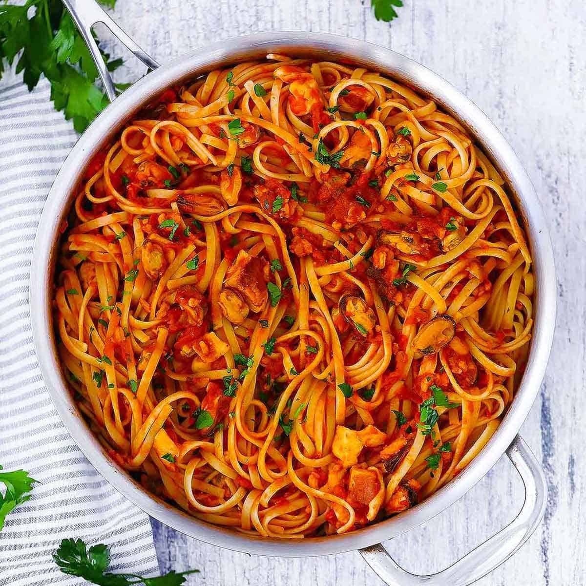 Seafood Linguine fra Diavolo (spicy red ...