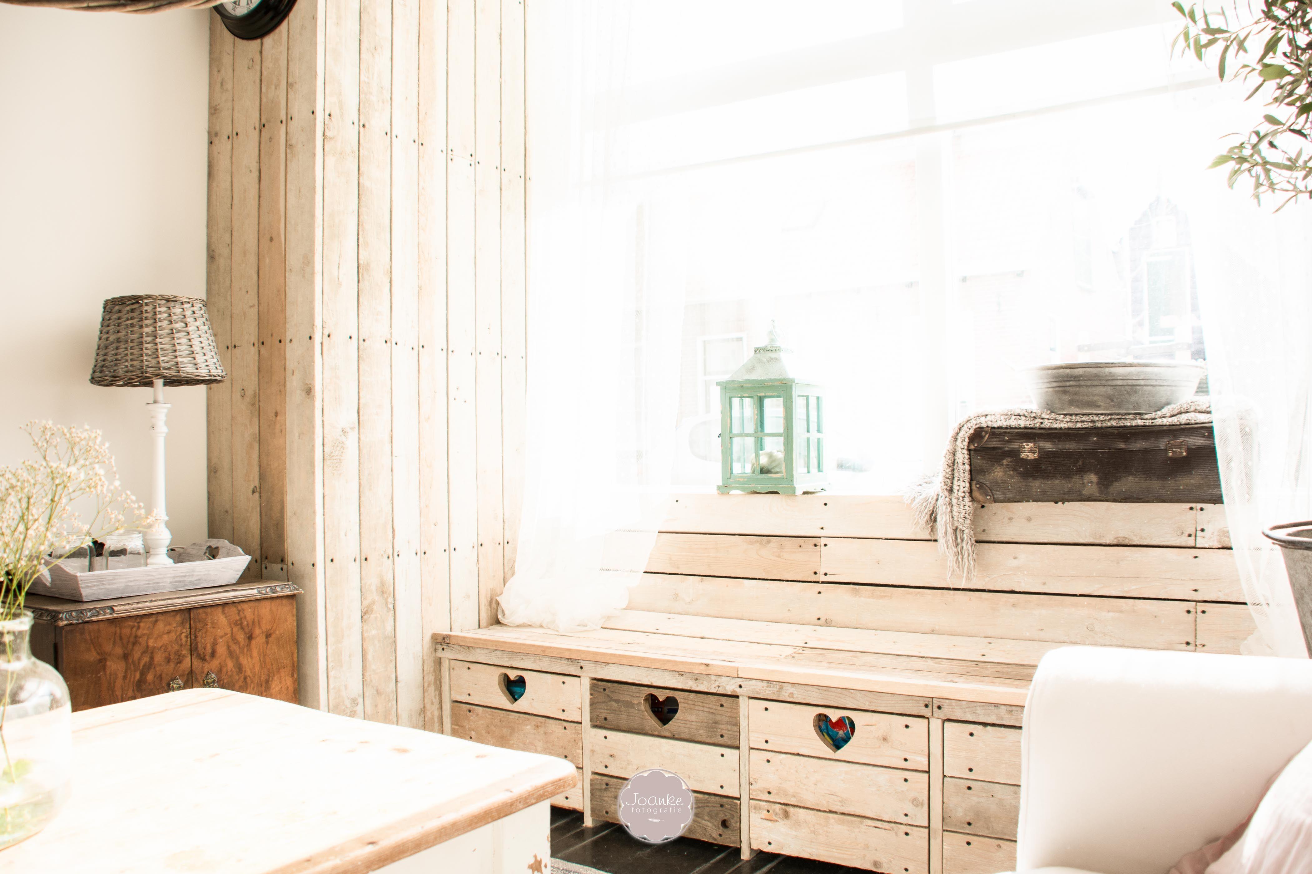 Een Sloophout Interieur : Raambankje sloophout woonkamer interieur
