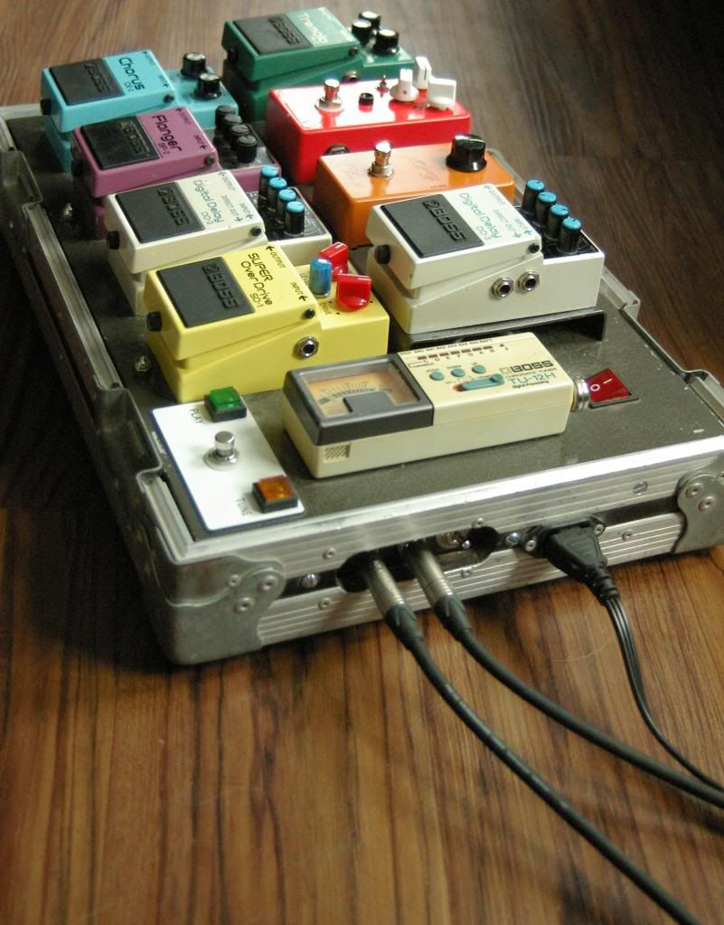 show us your pedal board pedal board in 2019 pedalboard guitar pedals en guitar effects pedals. Black Bedroom Furniture Sets. Home Design Ideas