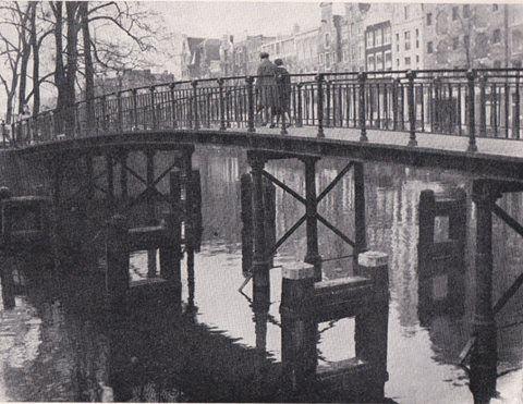 Amsterdam, Pastoorsbrug over de Keizersgracht bij de Brouwersgracht ( brug 55 ) Bestaat niet meer.