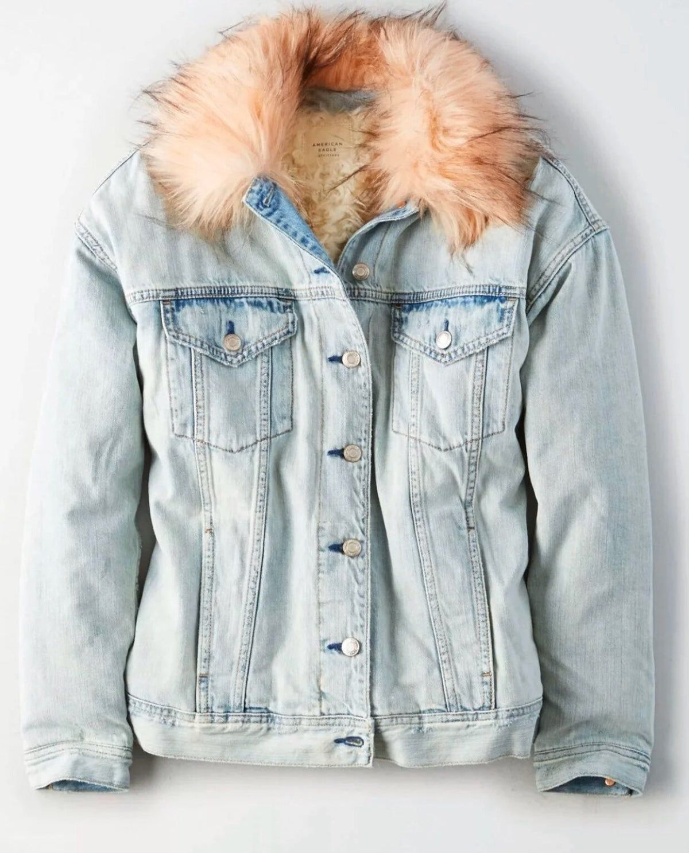 Aeo Womens Faux Fur Denim Jean Jacket On Mercari Light Wash Denim Jacket Denim Coat Jacket Denim Jacket [ 1487 x 1200 Pixel ]