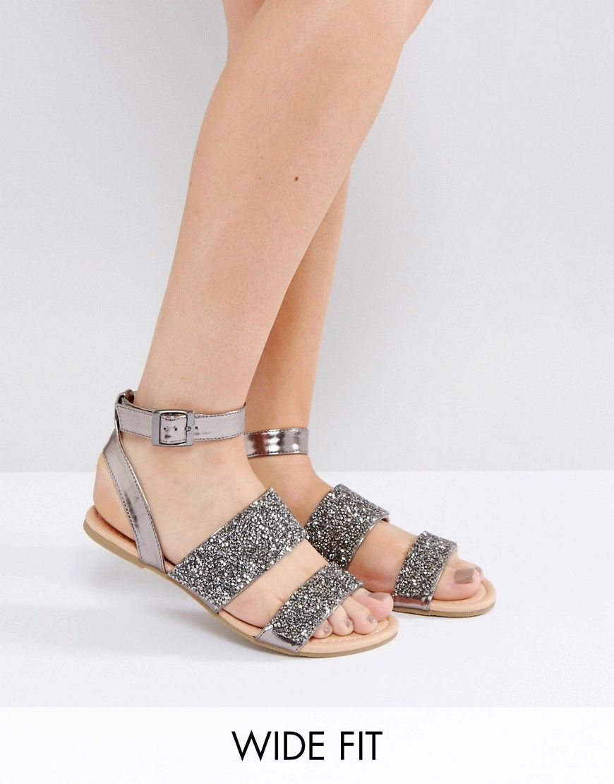 4792b4f9cd59 ASOS FANCY FEET Wide Fit Embellished Flat Sandals - Silver   anklestrapsheelslow