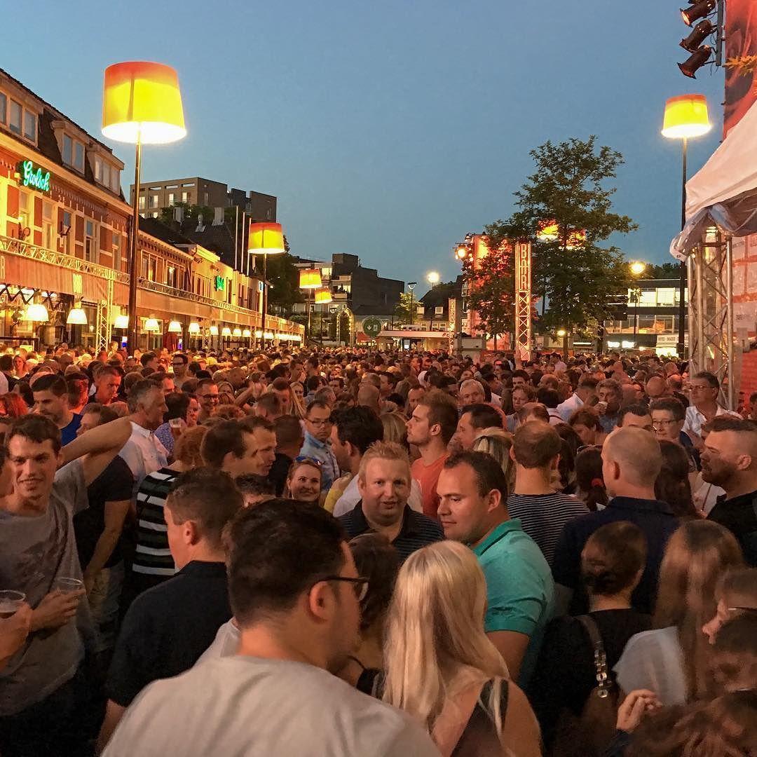 Festival van het levenslied #tilburg#festivalvanhetlevenslied#paleisring#piusplein#django#djangowagner#jansmit#gezellig#feest#mazzel