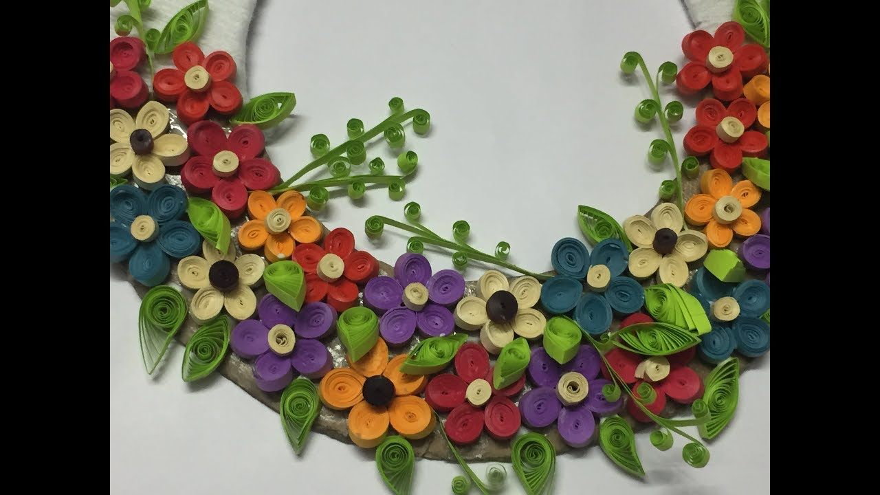 Diy Wall Hanging From Yarn And Quilling Flowers Quilled Wreath Quilling Flowers Quilling Wall Hanging Crafts