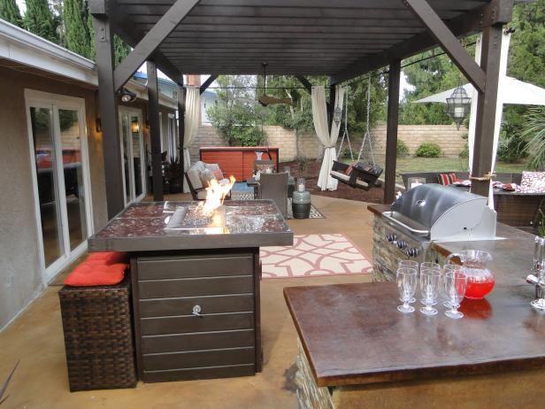 Outdoor Kitchen Islands Pictures Ideas Tips From Outdoor Kitchen Countertops Outdoor Kitchen Bars Outdoor Kitchen Appliances