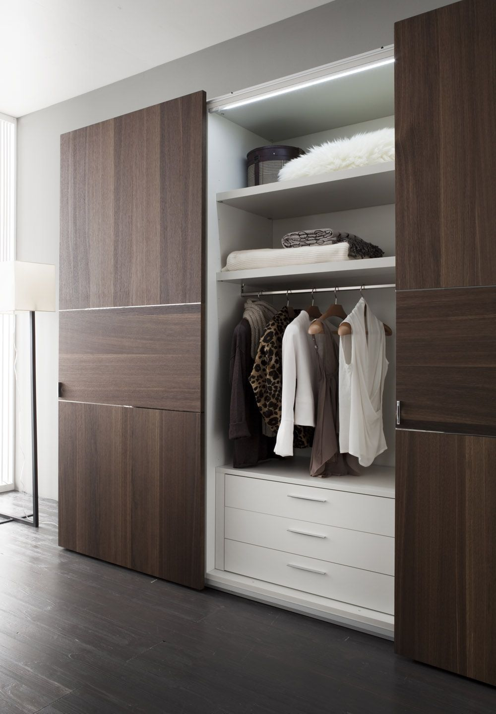 Source By Abdallhb7r In 2020 Bedroom Cupboard Designs Bedroom