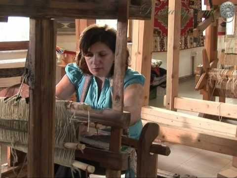 Amila Smajovic. this is the best loom set up so far. u can make few or a long kilim.