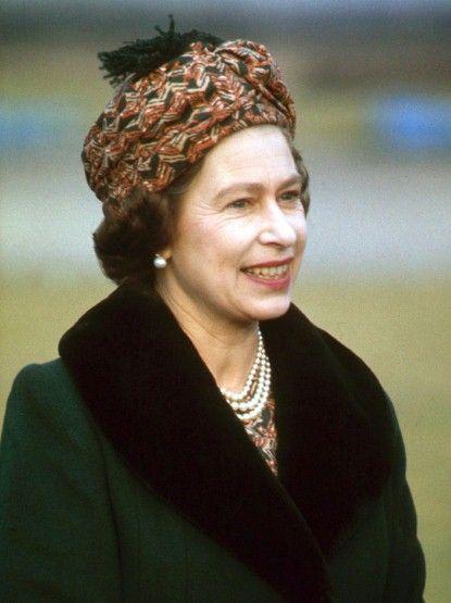 #queenshats