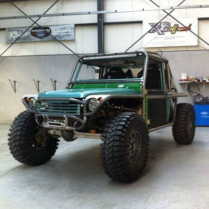 Like. But less cage. | Land rover, Land rover defender ...