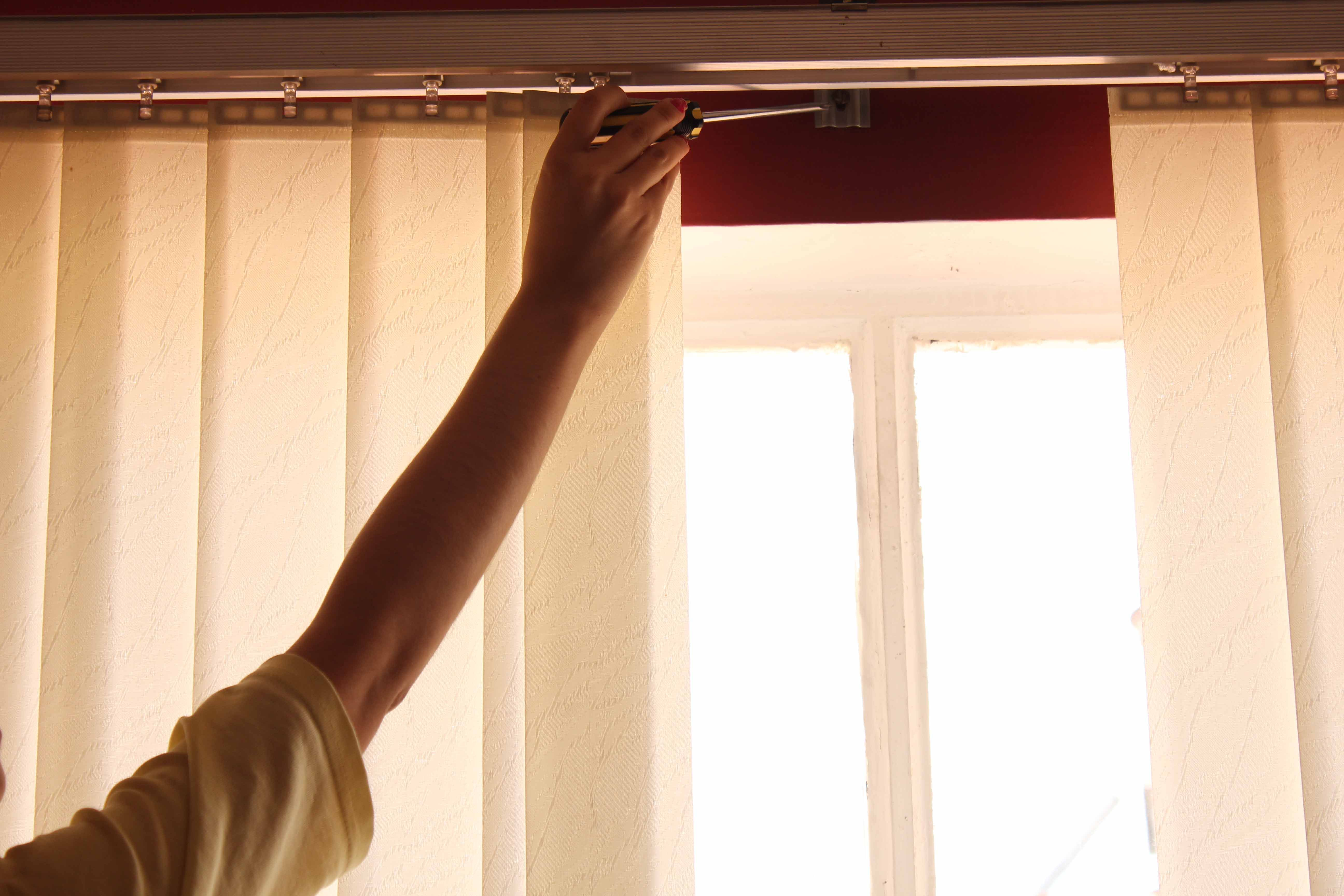 How To Clean Faux Wood Blinds With Vinegar