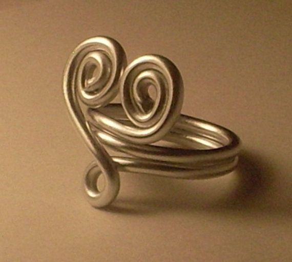 SALE HEARTSHAPED SILVERTONE Aluminum Wire Ring for by Kedikek ...