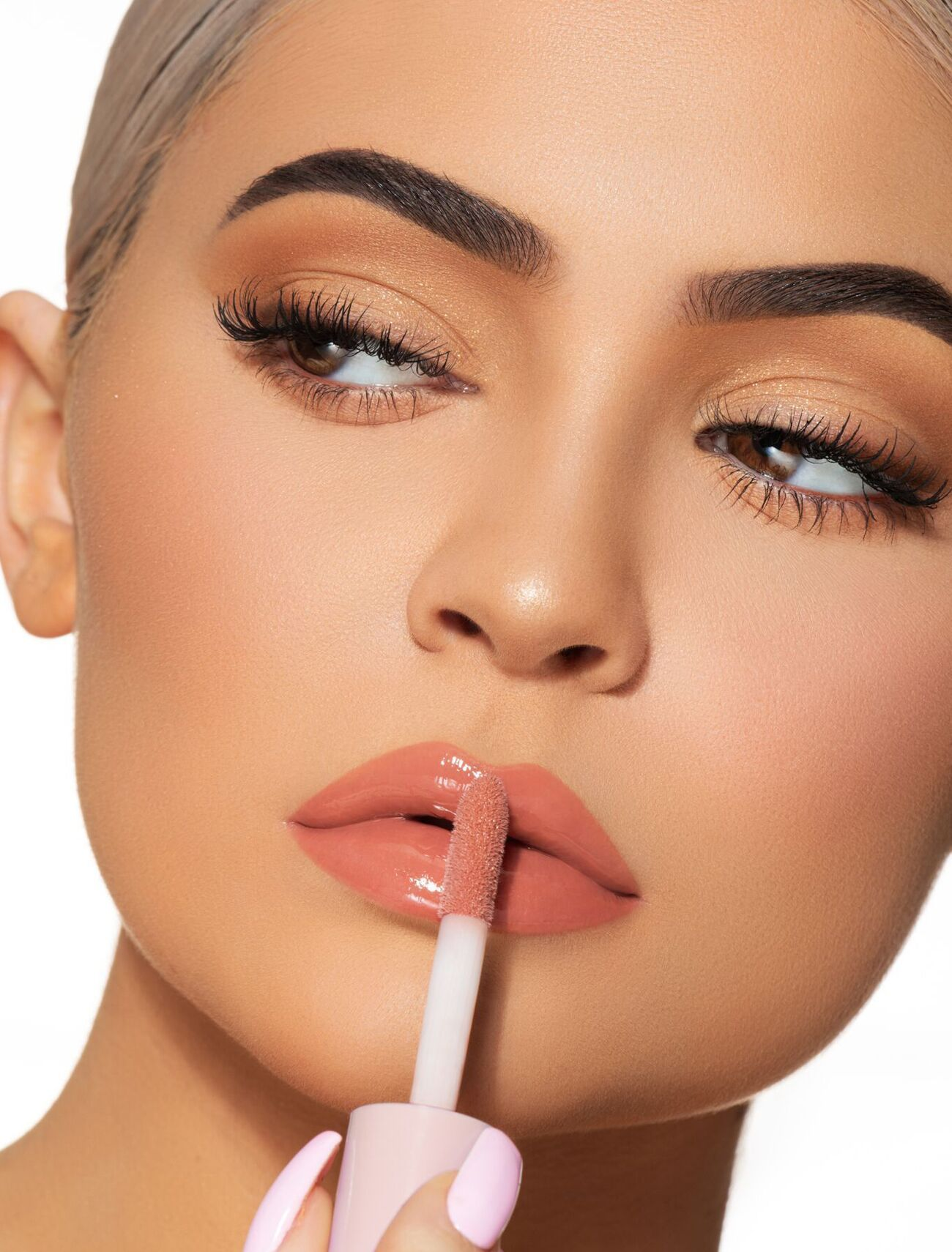Snatched High Gloss In 2020 Kylie Makeup Kylie Cosmetic Makeup