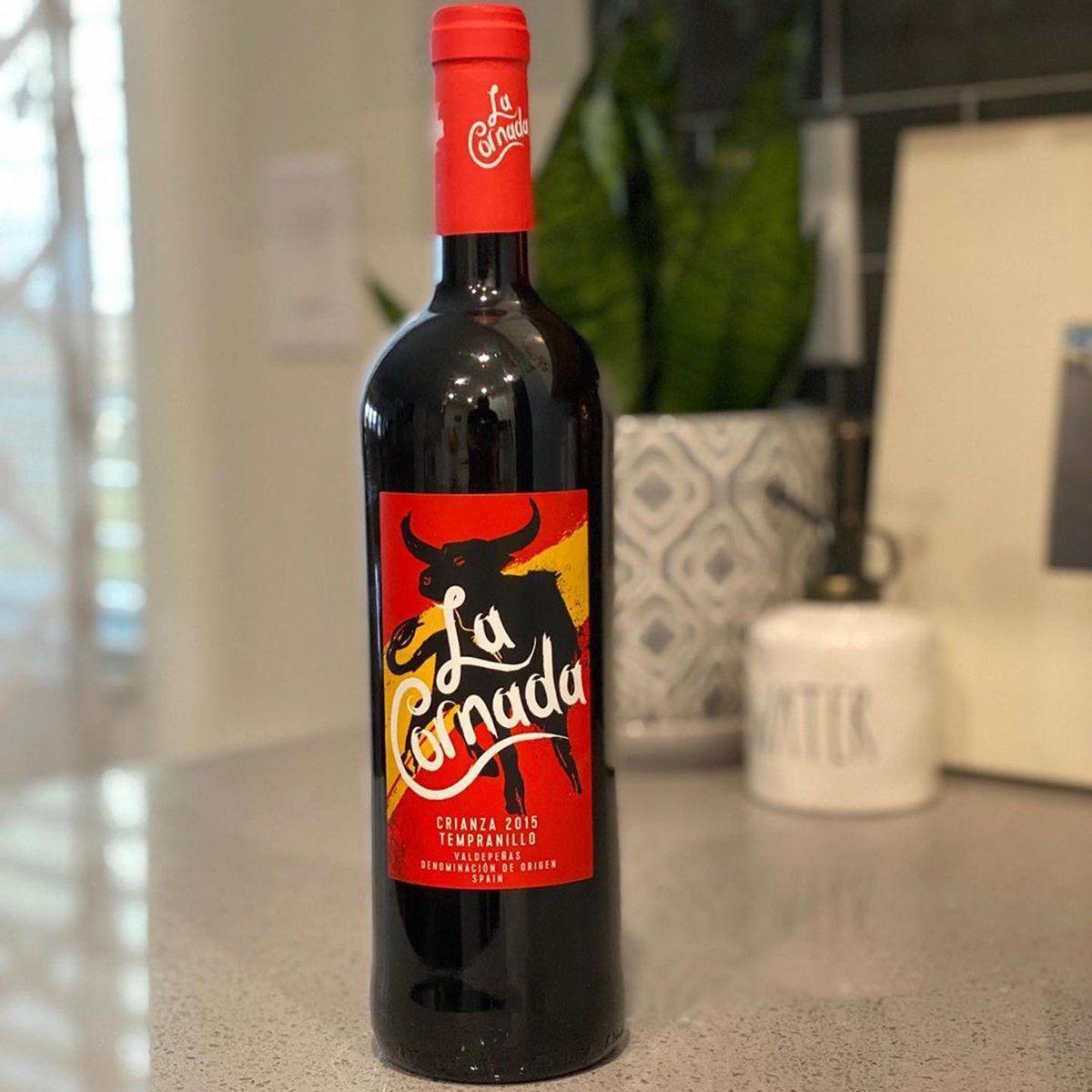 The Best Wines To Buy At Aldi Hands Down In 2020 Aldi Wine Wines Fruit Wraps