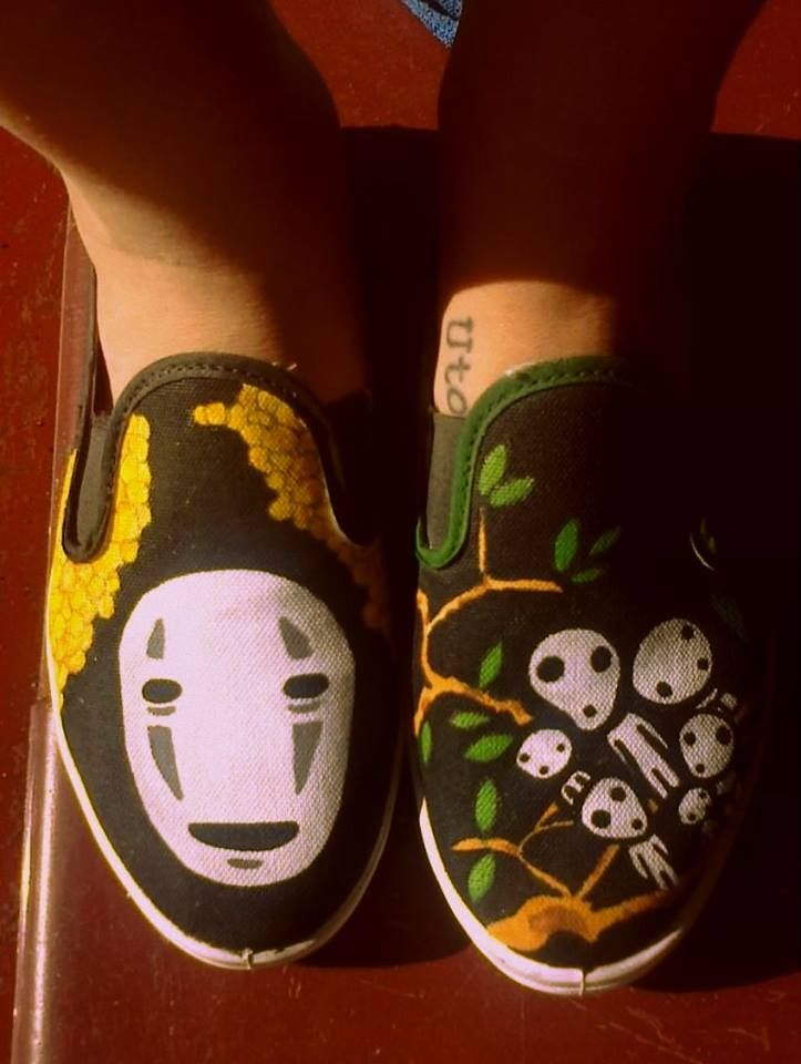 Miyazaki   painted shoes/ zapatillas pintadas  https://www.facebook.com/pages/Viva-La-Vida/723656094337078?fref=ts