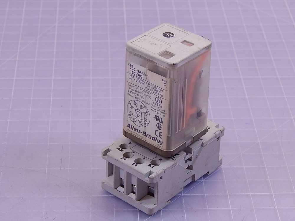 Allen dley 700-HA32A1 Relay w/ Socket T97182 (eBay Link ... on
